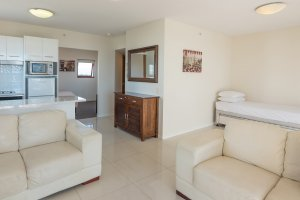 Broadbeach Savannah 49