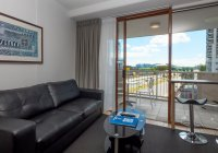 Broadbeach Savannah 64