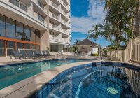 Broadbeach Savannah 7